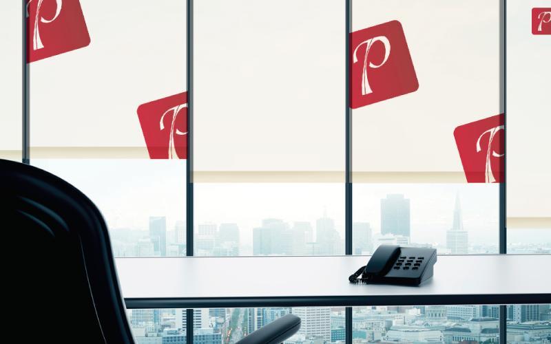 Persianas impresas para oficinas con logo