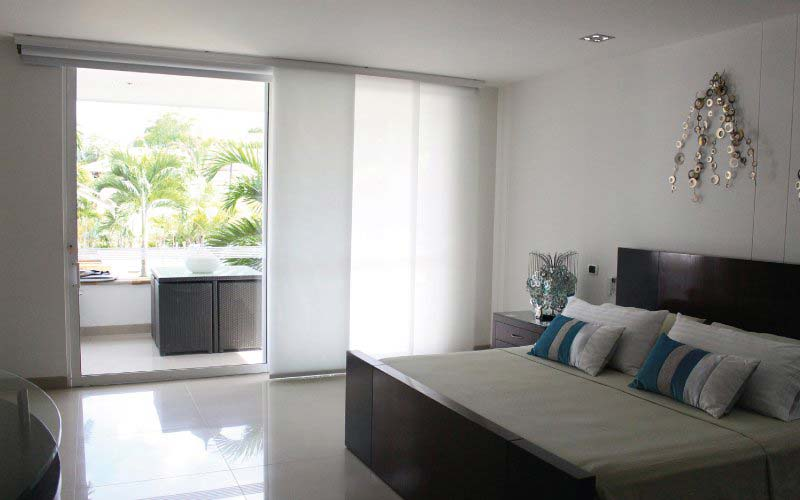 Habitación moderna con paneles Japoneses