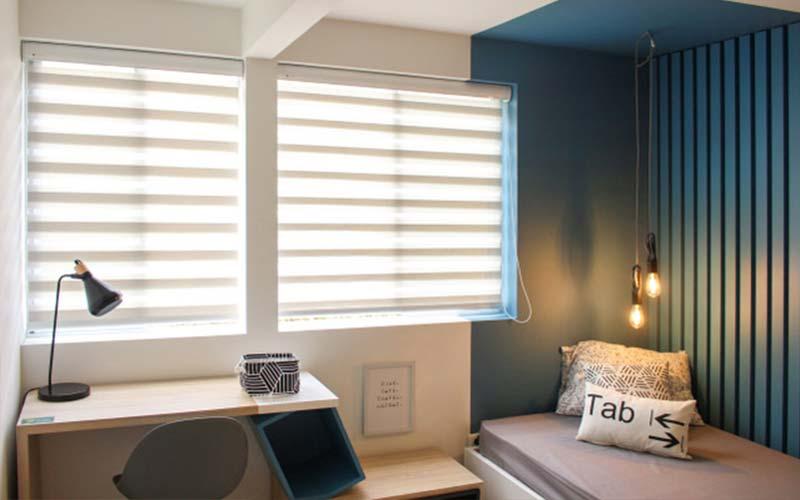 Habitación moderna usando cortinas y persianas Sheer Elegance
