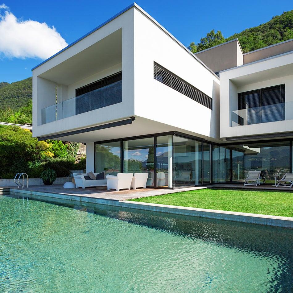 Casa moderna diseñada con arquitectura sostenible