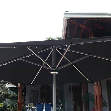 Detalle interior de una sombrilla Alicante oscura